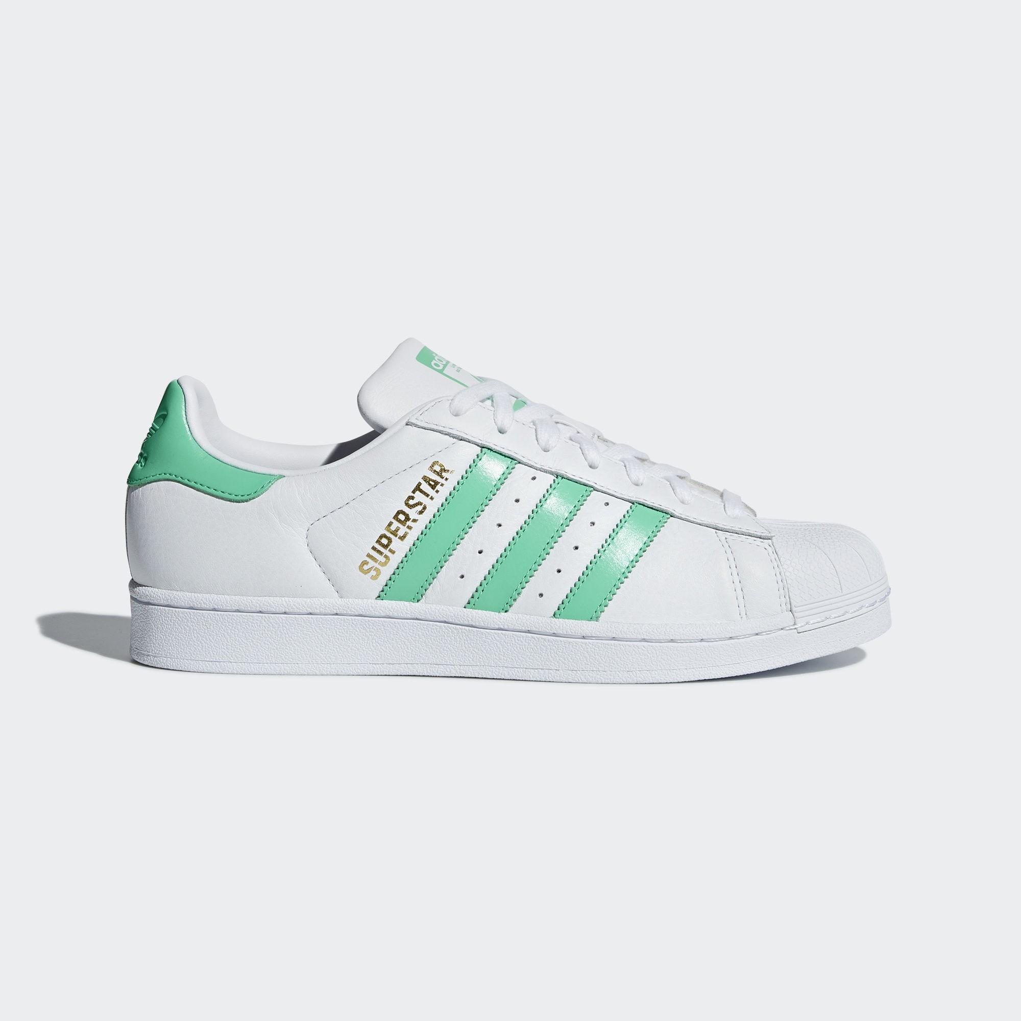 adidas superstar blancas y verdes